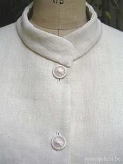 costume femme détail