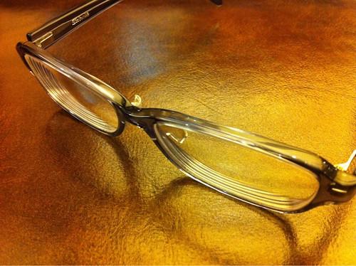 金子眼鏡 Skhol(スコレー) スクエアなメガネ