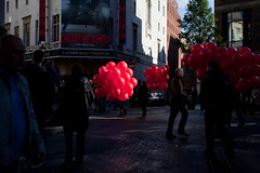 Red balloons walk (Che-burashka) Tags: street light red people chicago london places celebration musical centrallondon londonist canonef28mmf18usm
