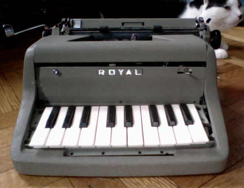 piano typewriter 2