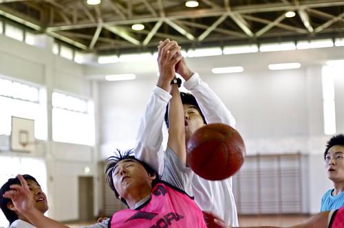 Basketball - golpes por todas partes