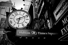 New York - Times Square (Cyrielle Beaubois) Tags: new york city usa white newyork black building clock america canon square french photo noir taxi entertainment american times horloge amateur blanc franais photographe stret unitedstateofamerica sigma1770mm f2845 eos400d sigma1770mmf2845dcmacro dcmacro cyriellebeaubois cyriellebeaubois