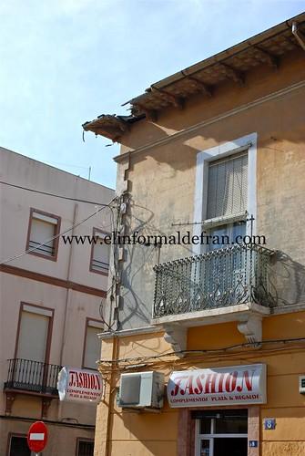 Desplome de una grua en la Calle Miguel Zazo