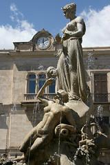 Artemis of the wildland (micromax) Tags: italy fountain europa europe italia diana syracuse sicily artemis fontana sicilia siracusa sicilian canoneos400ddigital archimedessquare fontanadiartemide