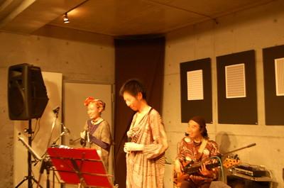 ■UAスペシャルライブ■2010年12月11日 藤野・カフェShuから・・・
