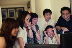 (GenkiGenki) Tags: people smile june canon eos 50mm singapore chinatown brian kerry mel vicki ef shocked mayee 50l ef50mmf12lusm tweetup 5dmarkii 5d2 tweeple growlybear 5dmark2 brewcreative beertastic hulabaloola mizhalle ilovemudding hamemory vixlew