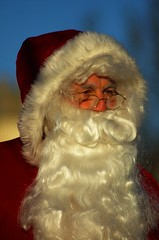 Santa (Strathaven , South Lanarkshire) (Zen Moments Photography) Tags: santa christmas uk winter england holiday art saint st reindeer photography scotland europe moments britain united father great scottish noel nicholas weihnachtsmann zen ren che rudolf claus natale viejo pere joulupukki lao babbo kriss strathclyde papai 2010 dun kringle moroz julenissen pascuero ded lanarkshire strathaven mikolaj d40 kerstman jultomten mikulas swiety kanakaloka hoteiosho weaveintothewin2