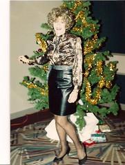 Laurette--Xmas, 1991 (Laurette Victoria) Tags: pose laurettevictoria laurette woman xmas chichapter triess skirt blouse