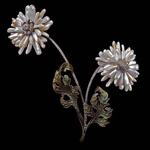 026- Broche de flores con perlas del rio Misssissippi- Lalique-Expuesto en la exposición universal de Paris de 1900