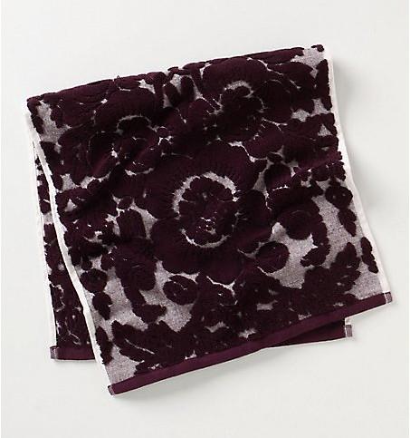 perpetual-blooms-towel-raspberry