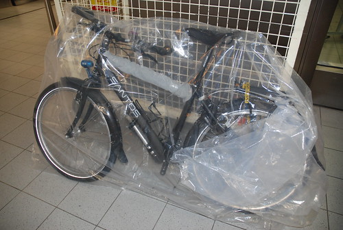 Red Cycling Cargo Net Oxford Bike 30cm x 30cm