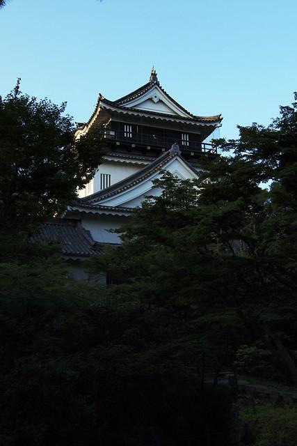 100919_060942_岡崎城
