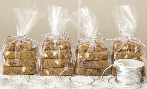 chocchip_gingerbread_bars_01