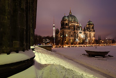 Berliner Dom (david.bank (www.david-bank.com)) Tags: winter snow cold berlin church architecture night canon germany deutschland dom religion columns steps shift landmark fernsehturm column altesmuseum tilt protestant berliner tse schinkel lustgarten 17mm