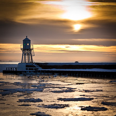 Lighthouse sunset (Hkan Dahlstrm) Tags: winter sunset lighthouse ice skne day cloudy sweden f28 skane helsingborg resund hamn 2011 r ef85mmf18usm canoneos5dmarkii sek