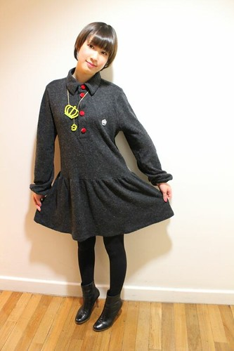 QOS Logo acrylic  Neck-less & Wool polo Dress - Yui