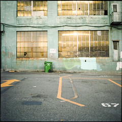67 (lolitanie) Tags: seattle 120 6x6 mamiya tlr film mediumformat square washington downtown kodak wa analogue portra 400nc c330 lolitanie jeanmarcluneau jmluneau