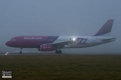 LZ-WZA - 2571 - Wizz Air - Airbus A320-232 - Luton - 110107 - Steven Gray - IMG_7636