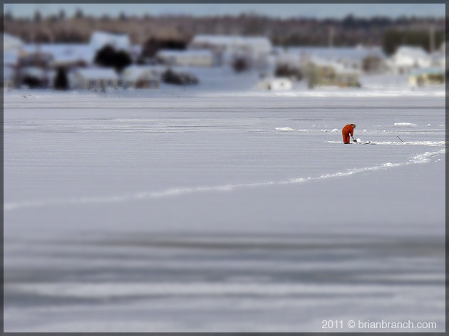 P1130650_ice_fishing