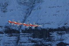 Patrouille Suisse in der Formation / Figur Shadow über dem Kanton Bern in der Schweiz (chrchr_75) Tags: hurni christoph schweiz suisse switzerland svizzera suissa swiss kanton bern berne berna bärn kantonbern berner oberland berneroberland kleine scheidegg wengen grindelwald lauberhorn lauberhornrennen patrouille patrouillesuisse northrop tiger f5e kunstflug formationsflug kunstflugstaffel schweizer armee air force vorführung programm 2011 alpen alps berge mountains chrchr chrchr75 chrigu chriguhurni 1101 militär military army luftwaffe albumschweizerluftwaffe chriguhurnibluemailch januar januar2011 albumzzz201101januar albumpatrouillesuisse kampfjet kampfflugzeug hurni110114