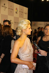 Paris Hilton at the 2011 Golden Globes (djtomdog) Tags: goldenglobes beverlyhilton tvjunkie thomasattilalewis thetvjunkie