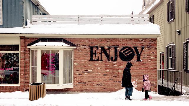 Enjoy [EOS 5DMK2 | EF 24-105L@47mm | 1/640 s | f/6.3 | ISO200]