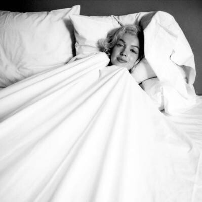 Milton-H--Greene-Marilyn-Monroe-in-Bed-148388