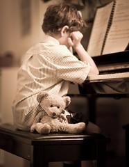 136 | 365 (angiel) Tags: nikon piano may 85mm tired hbm despondant 2011 bigted 365project d700 benchmondaypianobenchedition