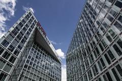 Hamburg - Der Spiegel (superbart77) Tags: architecture clouds derspiegel hamburg journal mirror press sky spiegel