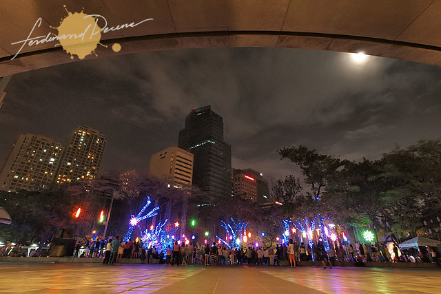 The Busy Makati CBD splashed with Christmas Colors