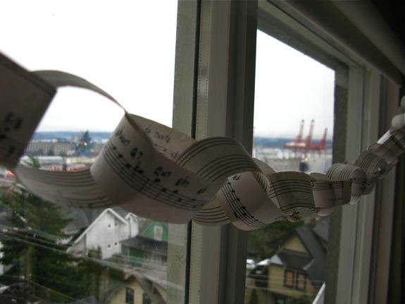 music garland 006