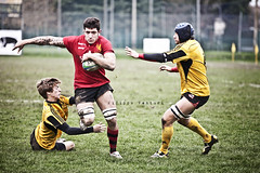 Romagna Rugby VS Union Rugby Tirreno (Filippo Venturi) Tags: men boys sport photo foto mud rugby union dirty match versus romagna ragazzi uomini sporco partita fango campionato tirreno 20101107