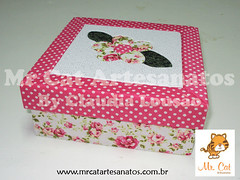 Caixa Pequena (Carton Mousse) (claulousao) Tags: artesanato madeira mdf tecido cartonmousse patchworknoisopor patchworkembutido