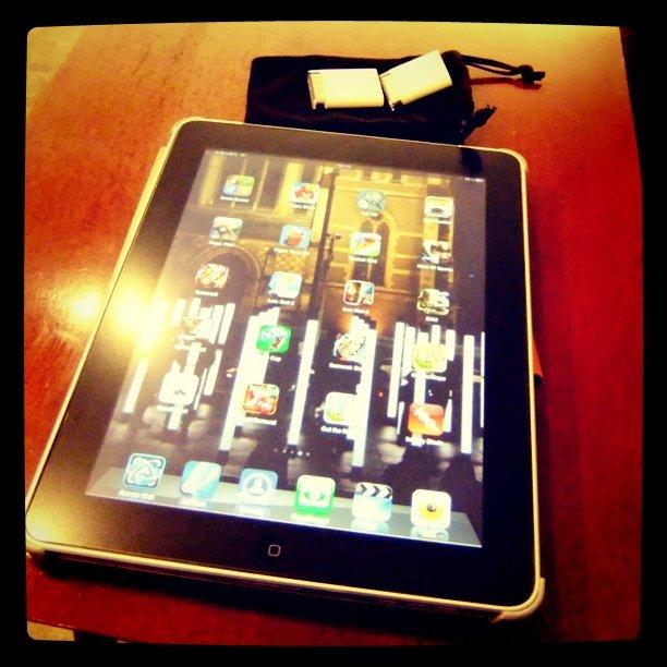用iPad也是可以貼照片的。