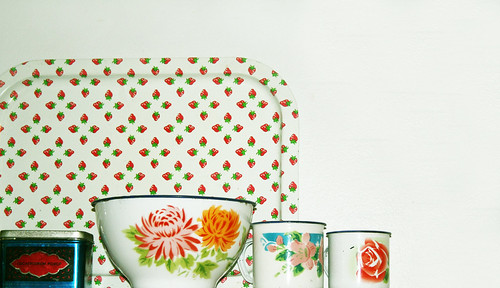 Flower bowl and cups
