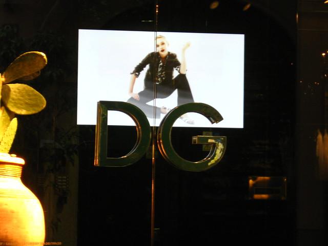 ドルチェ&ガッバーナの扉のフリー写真素材
