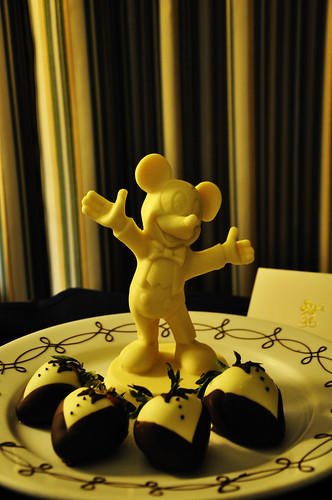 Chocolate-covered Strawberries: Disney Style