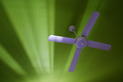 propeller (Roger_T) Tags: morning light abstract green argentina lines licht fan buenosaires linie ceiling decke grn ventilator propeller morgen 2010 rotor milhouse avenidademayo argentinien hotelzimmer sonyalpha200