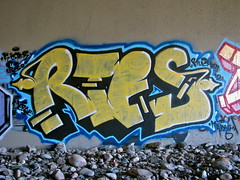 Rtes One (El Funky Taladro) Tags: santa county red orange white up lines yellow yard graffiti ana big rocks bubble arrows palmyra throw fill ruche rusko rtes