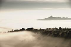 [フリー画像] 自然・風景, 霧・霞, 丘, イタリア, 201101250700