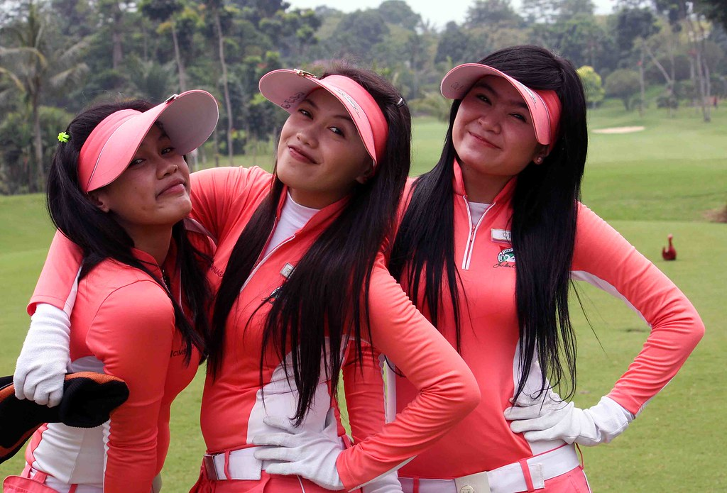 golf asian single women The 25 hottest female golfers in the world by riley schmitt share you may also like  caitlyn jenner defends trump vote — says trump 'doesn't want to lose at golf to 67-year-old trans woman'.
