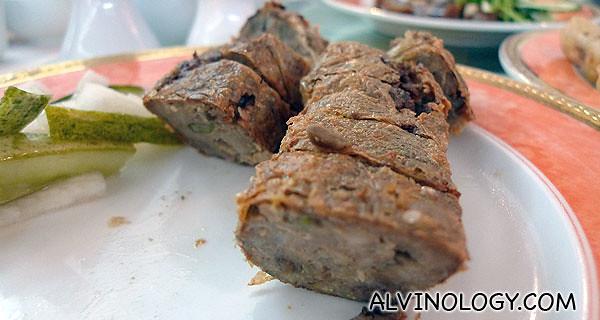 肝花 - Not your usual ngoh hiang either, these comes with pork liver filling