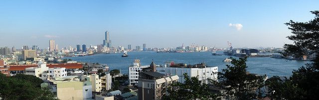 kaohsiung_harbor_panorama_02