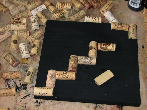 25 Days of Hand Crafted Gifts & Ornaments - Wine Cork Trivet 004