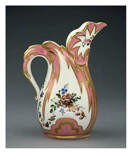 002 – Detalle jarra-Porcelan de Sèvres- Jean-Claude Duplessis 1757- ©J. Paul Getty Trust