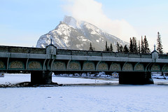 Mount Rundle, Banff Avenue Bridge & the Bow River (zeesstof) Tags: bridge mountain snow canada river alberta banff bowriver mountrundle banffnationalpark frozenriver canon7d canon18135is banffavenuebridge zeesstof