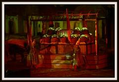 _MG_2648 (www.vendeephoto.fr) Tags: france canon cheval photo photographie prague jesus son noel gloria danse du lumiere histoire 5d orient vendee parc romain mage naissance puy feu fou egypte artifice musique carrousel 2010 cadeau roi spectacle fantastique choeur mystere paysdeloire publique canonl puydufou fetedenoel laverrie lesherbiers philharmonique lavendee sortit orchette parcdupuydufou wwwvendeephotofr vendeephoto lemysteredenoel chambreteau lesepaisse histoiredenoel