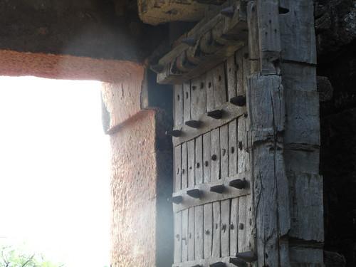 Daulatabad Fort, elephant repellant
