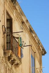 Balcony (micromax) Tags: italy europa europe italia syracuse sicily sicilia siracusa sicilian canoneos400ddigital