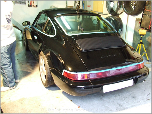 Porsche 911 Carrera 4-11